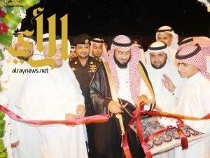 مدير التعليم بمنطقة مكة المكرمة يفتتح مدارس العلم النافع الأهلية ببحرة