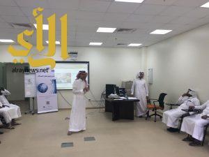 عميد الكلية التقنية بنجران يتابع سير العملية التدريبية لبرنامج توطين قطاع الاتصالات