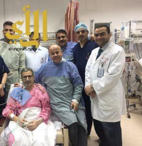 الصحة : نجاح جراحة لإستبدال صمامين لمريض في مركز القلب بعرعر