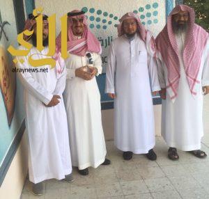 مدير تعليم الرياض الدكتور المانع يزور متوسطة ابن زيدون