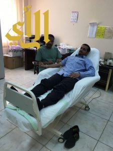 منسوبي المعهد الصناعي وتقنية بلقرن يتبرعون بالدم لأبطال الحد الجنوبي