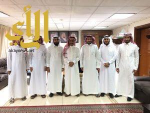 السلطان يلتقي لجنة شباب رياض الخبراء بعد إعادة تشكيلها