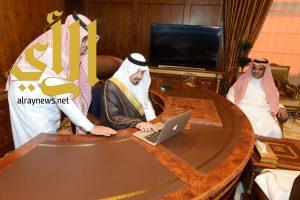 أمير عسير يدشن حسابات أبها عاصمة السياحة العربية ٢٠١٧ على مواقع التواصل الاجتماعي