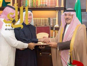 أمير الباحة يستقبل المنسق العام لبرنامج دبي للأداء الحكومي المتميز