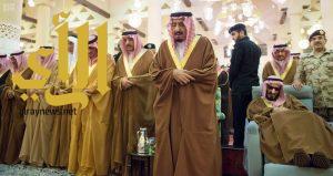 خادم الحرمين يؤدي صلاة الميت على الأمير تركي بن عبدالعزيز