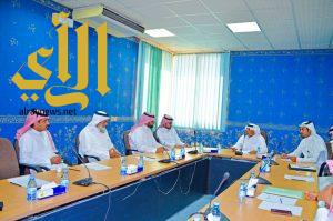 اللجنة الصناعية تعقد إجتماعها الاول للدورة الجديدة بغرفة نجران وال رجب رئيساً لها