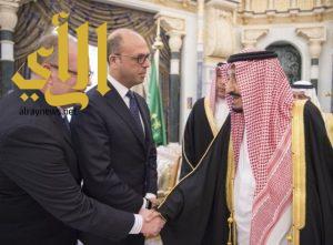 خادم الحرمين يستقبل وزير الداخلية الإيطالي