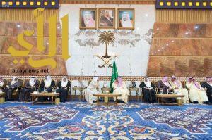 الملك سلمان يستقبل عدداً من أصحاب الجلالة والفخامة الذين قدموا العزاء
