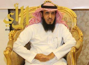 مدير مكتب التعليم بالعزيزية يودع منسوبيه بعبارات الثناء والتقدير