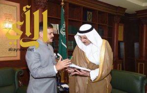 أمير جازان يستقبل السفير الهندي