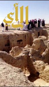 طلاب كليات وادي الدواسر يتعرفون على قرية الفاو وقصر الملك عبدالعزيز التاريخي