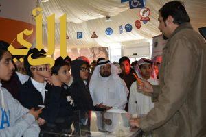 """زوار """"بيت المعرفة"""": المعرض نافذة تثقيفية وتوعوية للصغار والكبار"""