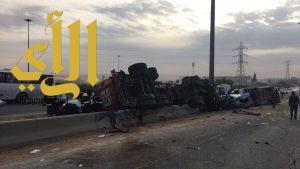 مصرع شخصين وإصابة 13 بحادث تصادم لعدة سيارات على طريق الخرج الجديد