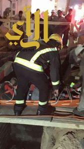 مدني خميس مشيط يستخرج عامل بعد سقوطه داخل خزان تحت الإنشاء