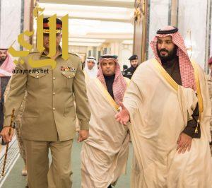 ولي ولي العهد يجتمع مع قائد الجيش الباكستاني ويبحثان التعاون العسكري