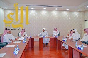 اللجنة التجارية تناقش دورها التوعوي في وسائل التواصل الاجتماعي