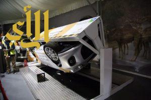 500 شخص يتعرضون لحادث انقلاب تجريبي داخل سيارة في معارض بيت المعرفة