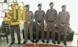 مدير مدني المدينة المنورة يهنىء ويقلد عدد من الضباط رتبهم الجديدة