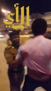 شرطة جازان نحقق في مقطع رجل المرور والتعامل مع ناشره وفق الجرائم المعلوماتية