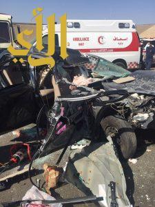 مصرع شخص وإصابة 5 آخرين بحادث إنقلاب مركبة على طريق الهجرة