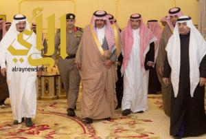 أمير الباحة يقدم تعازيه لذوي العقيد خالد بن سويعد