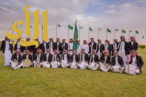 فرقة فنون الباحة الشعبية تشعل الحماس لزوار ركن الباحة