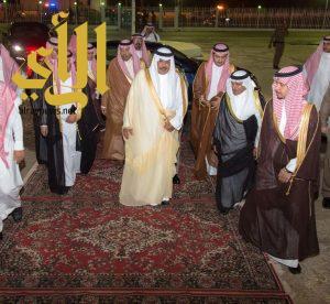 أمير الباحة ينوه بجهود رجال الأمن خلال جلسته الأسبوعية في مقر إقامة سموه بمحافظة المخواة