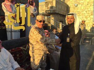 """""""قائد حراسة معسكر الجنادرية"""" يزور قرية الباحة التراثية ويشيد بالتنظيم وإدارة الفعاليات"""