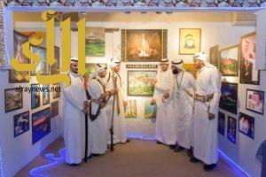 اللوحات الفنية تبهر زوار الجنادرية بمعرض الفنون بقرية الباحة التراثية