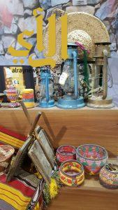 """""""الصالة النسائية"""" بقرية الباحة التراثية تواصل فعالياتها وسط إشادة الحاضرات"""