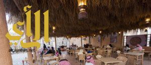 المقهى التراثي بقرية الباحة بالجنادرية متعة تذوق في أجواء تراثية