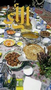 مائدة شعبية في الصالة النسائية بالجنادرية تجذب الزائرات وتحيي تراث الباحة الأصيل