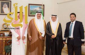 أمير الباحة يستقبل مدير الخطوط السعودية بالمنطقة