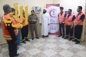 مدير الهلال الأحمر بالزلفي يزور شعبة سجن المحافظة