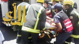 مدني أبها ينقذ عاملاً بعد سقوطه من ارتفاع ٩ أمتار