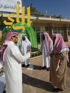 """""""العماري"""" يتفقد ركن الشؤون الإسلامية في معرض """"أبها عاصمة السياحة"""""""
