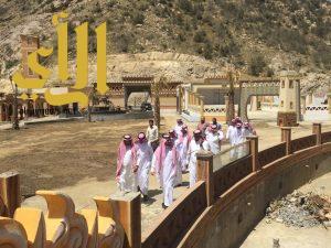 """""""أمين الباحة"""" يتفقد المشاريع البلدية بالمندق ويزور المجلس البلدي"""