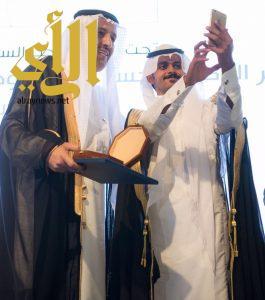 أمير منطقة الباحة يرعى حفل تخريج الدّفعة الـ 11 من طلاب وطالبات جامعة الباحة
