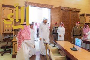 أمير الباحة يطلع على سير العمل في إدارات وأقسام إمارة المنطقة
