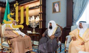 أمير الباحة يستقبل مدير عام الشؤون الإسلامية والأوقاف والدعوة والإرشاد بالمنطقة