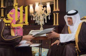 الأمير حسام بن سعود يستقبل رئيس هيئة السياحة