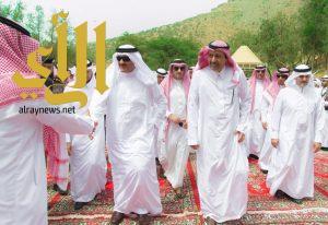 أمير الباحة يقيم مأدبة غداء تكريماً لرئيس هيئة السياحة