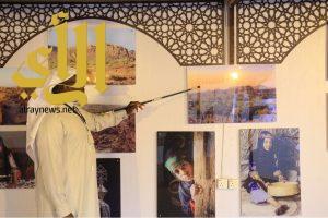 مصوري خيبر داخل أسوار الجنادرية 32 في معرض فتوغرافي تاريخي