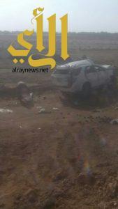 وفاة أم وأب وإصابة أطفالهم بحادث مروري بمحافظة البرك