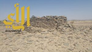 إكتشاف أكثر من ٩٠ منشأة حجرية بتثليث عسير