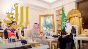 أمير القصيم يستقبل مدير عام فرع هيئة الهلال الأحمر السعودي بالمنطقة