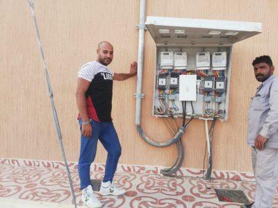 بالصور ….بدء تركيب العدادات الذكيه للكهرباء في قرى سراة عبيدة