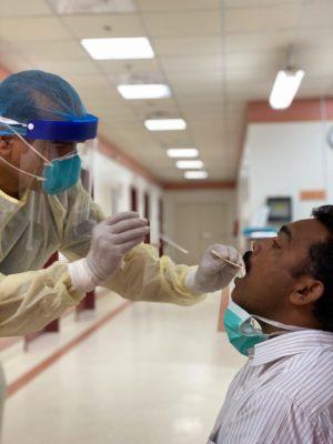"""مستشفى ظلم يواصل مكافحة """"كورونا"""" بالمسح النشط والتوعية المكثفة"""