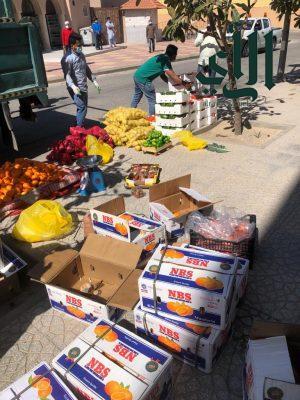 بلدية #الجبيل تصادر 340 كيلو خضروات وفواكه فاسدة من الباعة المخالفين بالطرق والشوارع
