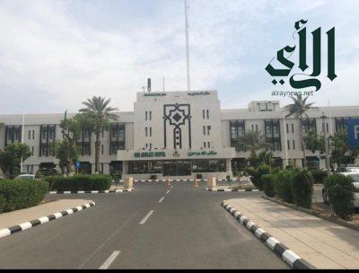 عملية دقيقة ومعقدة في مستشفى #الملك_عبدالعزيز بـ #جدة لإنقاذ وجه شاب من التشوه